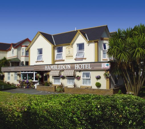 Hambledon Hotel: ideal location near old village & beach