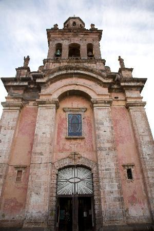 Patzcuaro, เม็กซิโก: The city has amazing churches