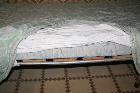 Hostal Malda: &quot;orthopedic mattress&quot;