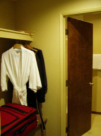 The Riverside Inn: closet and door entering tub/toilet area