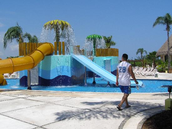 Bel Air Collection Xpu Ha Riviera Maya: The kids pool.