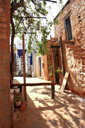 The neighbourhood in Pano Elounda around Albion House