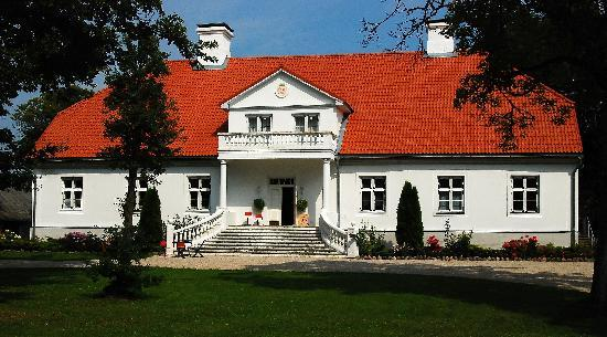 Estonia: Saare manor