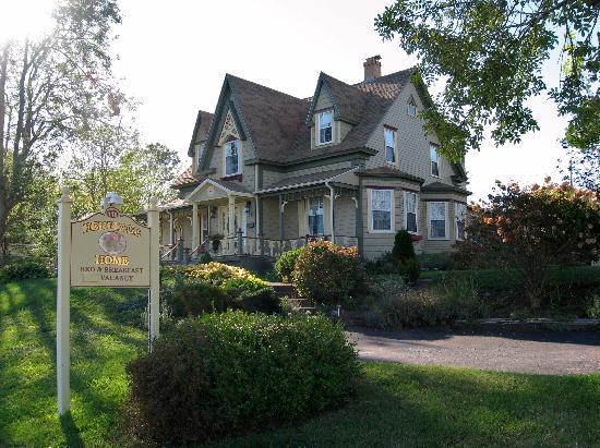 Heritage Home Bed and Breakfast: Exterior