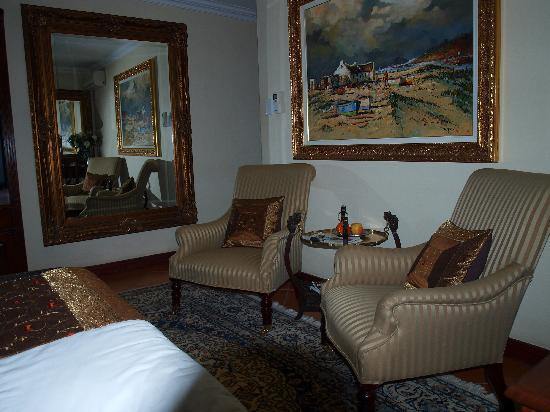 The Oasis Luxury Guest House: Bedroom with period furniture