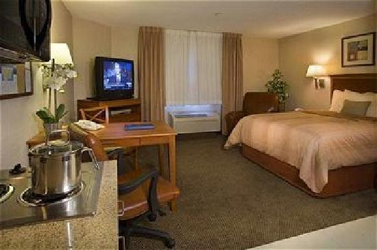 Candlewood Suites Houston, The Woodlands: The King Room