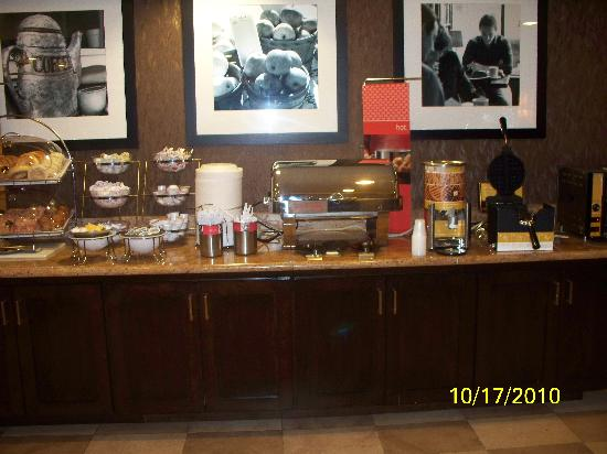 Hampton Inn Waco North: Breakfast