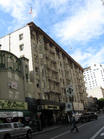 Handlery Union Square Hotel: Hotel Exterior (Geary Street)