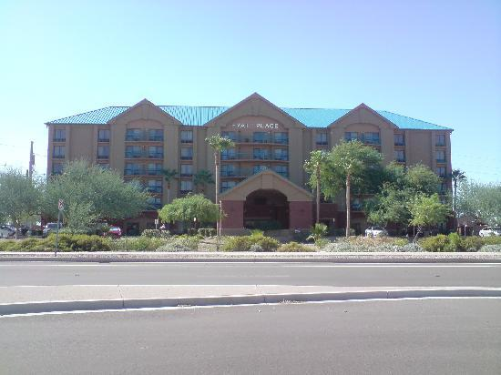 Hyatt Place Tempe/Phoenix Airport: Hotel front
