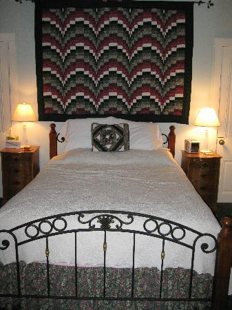 Vogt Farm Bed & Breakfast: The Witmer Room