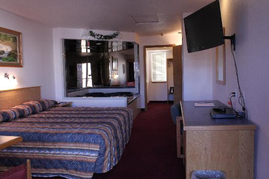 Silver Lake Motel: Jacuzzi Suite