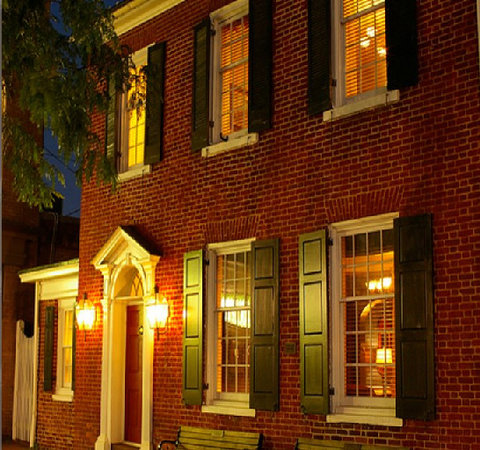 Inn at Lincoln Square