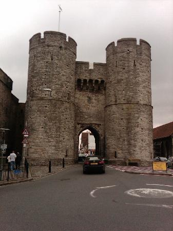 Canterbury, UK: One of the old city gates