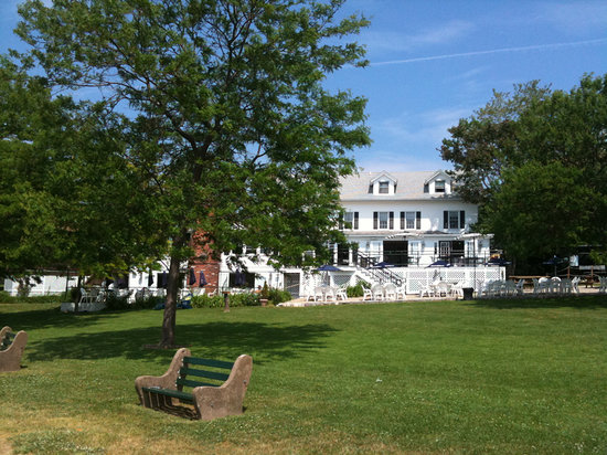 Branford hotels