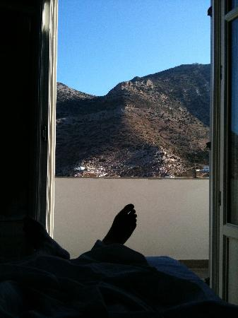 Myrto Hotel: View from the bed