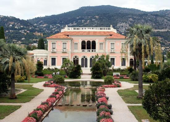 Sitting room picture of villa jardins ephrussi de for Jardin villa rothschild