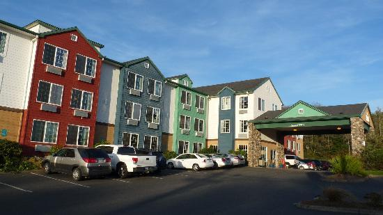 Ashley Inn and Suites : The exterior