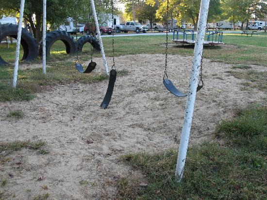 Springfield Koa Kampgrounds: playground with broken equipment