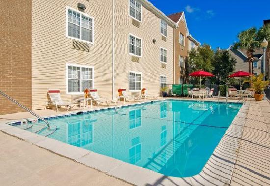 TownePlace Suites Tampa North/I-75 Fletcher: Outdoor Pool