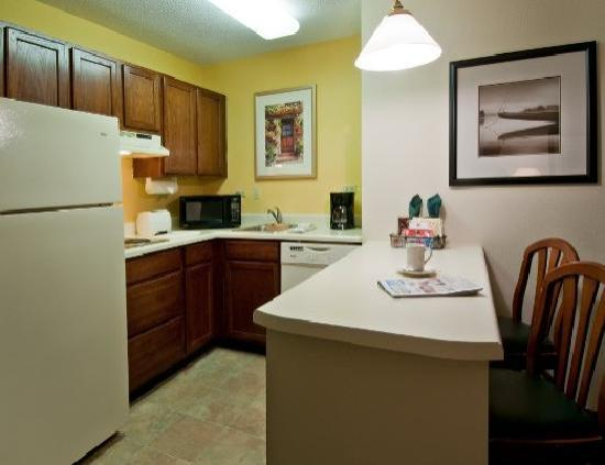 Residence Inn Greenville-Spartanburg Airport: Suite Kitchen