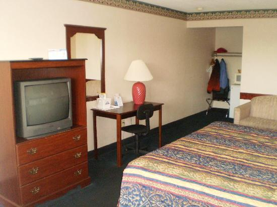 Days Inn Waynesboro: Bedroom 2
