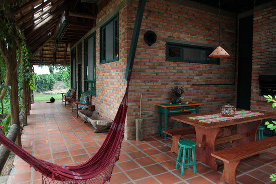 Janela de Marcia: Veranda and summer breakfast area