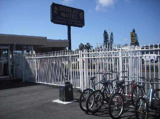 Mosley Motel: Gates / Bike Rack
