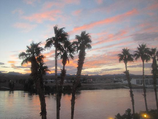 Golden Nugget Laughlin: Laughlin sunrise