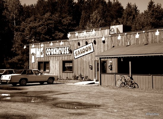 Dwight, Canada: The Cookhouse Saloon on Hwy 60