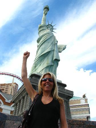 Mandalay Bay Resort & Casino: Statue of Liberty, Redux!