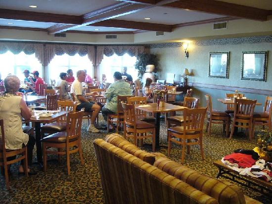 Country Inn & Suites Green Bay East: Breakfast room