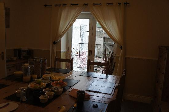 The Keep Guesthouse: Breakfast room