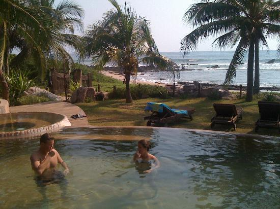 Casa Viva Troncones: Pool of Eden