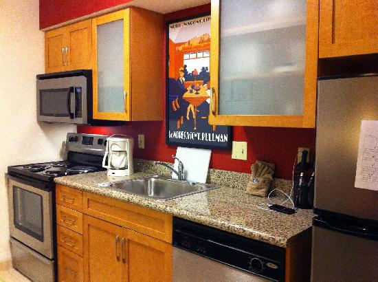 Residence Inn Lubbock: Kitchen (in room)