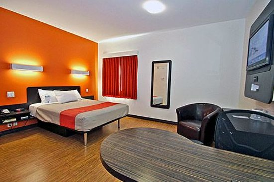 Motel 6 Moncton: Bedroom