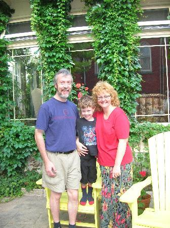 The Old Rectory: Kevin, Coner, Kim (July 2006)