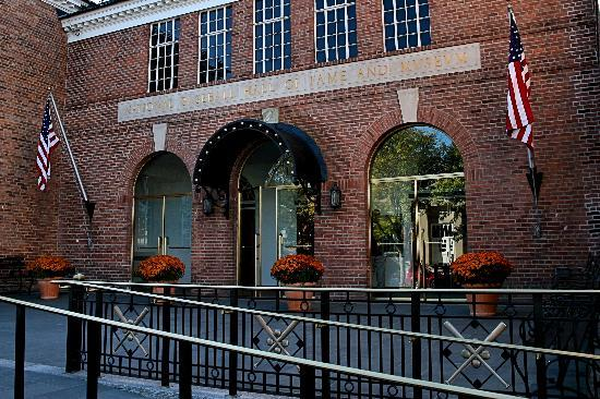 Holiday Inn Express Cooperstown: Baseball Hall of Fame