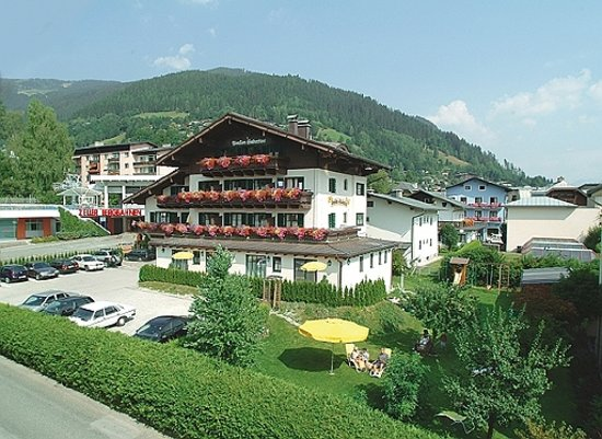 Photo of Hotel Garni Pension Hubertus Zell am See