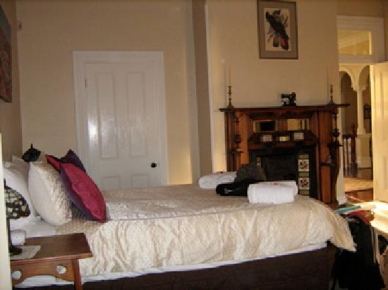 Earlsferry Bed and Breakfast: another view of bedroom