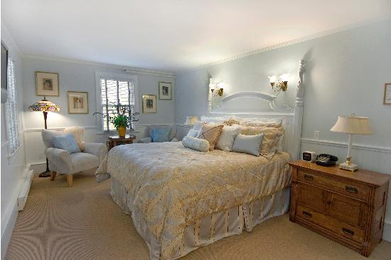East Hampton, NY: King Suite