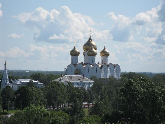 Yaroslavl's Newest Assumption Cathedral