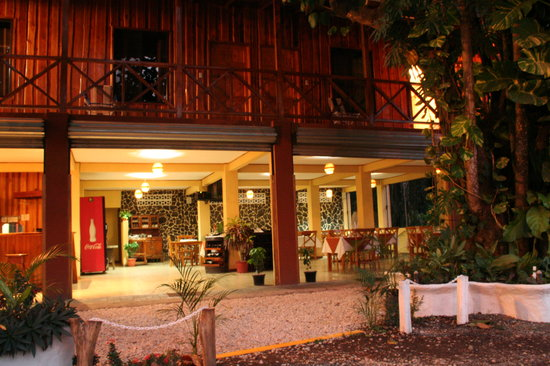 Cabinas y Restaurante H&B