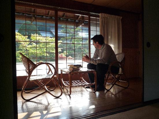 Ryokan Fujioto: Chilling out in the veranda