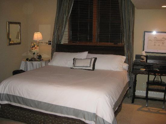 Photo of Tuscali Mountain Inn Luxury Bed and Breakfast Topanga