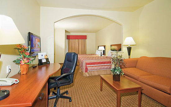 Sleep Inn & Suites at Six Flags: Spacious 2 Queen Suite