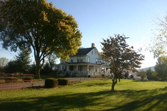 Cross Roads Inn Bed and Breakfast: Cross Roads Inn B&B