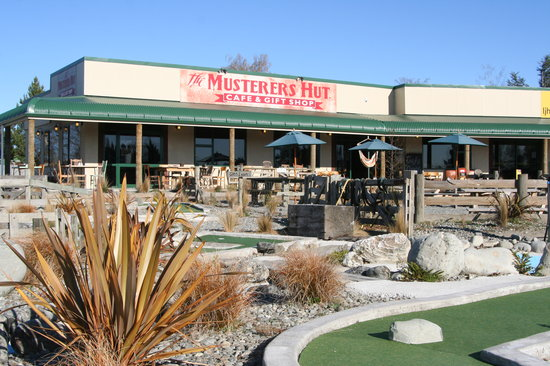 Twizel, Nowa Zelandia: The Musterer's Hut Cafe, Gift Shop and Mini Golf