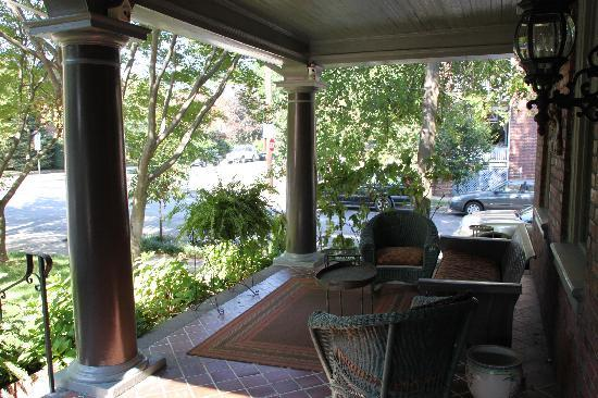 The Kensington Bed And Breakfast: Front Porch