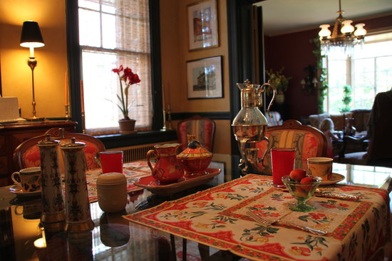 The Kensington Bed And Breakfast: Breakfast Room