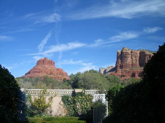 Canyon Villa Bed and Breakfast Inn of Sedona: view from room